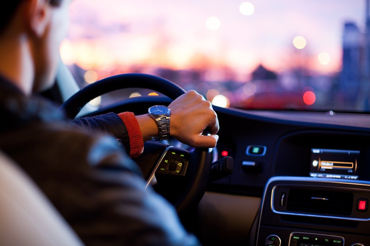 Il ritiro patente più veloce del mondo: 49 minuti