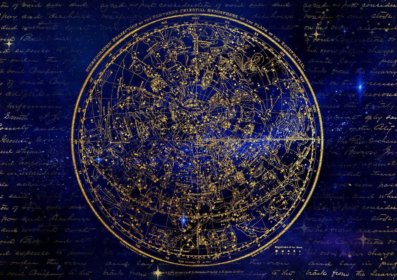 Oroscopo: perché lo leggiamo se non ci crediamo?