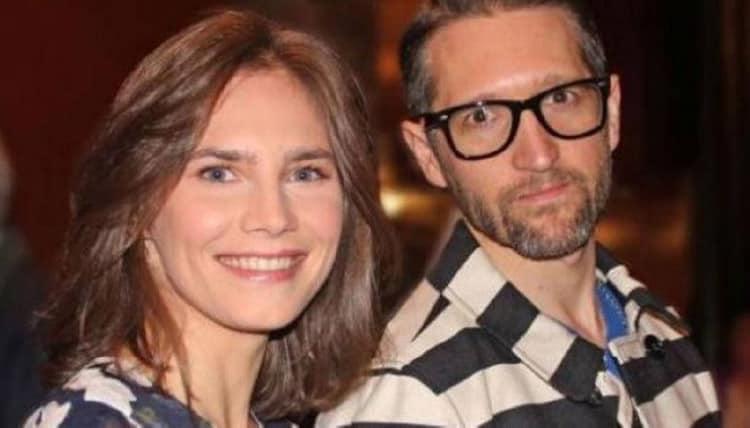 Amanda Knox senza soldi organizza una colletta online per il matrimonio
