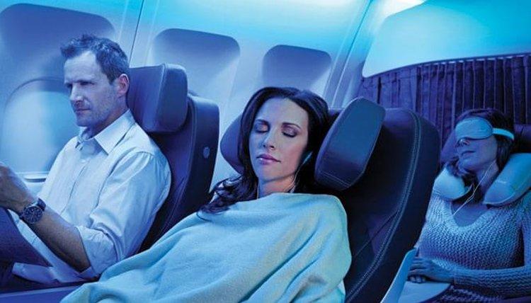Dormire in aereo ecco perché potrebbe essere un errore