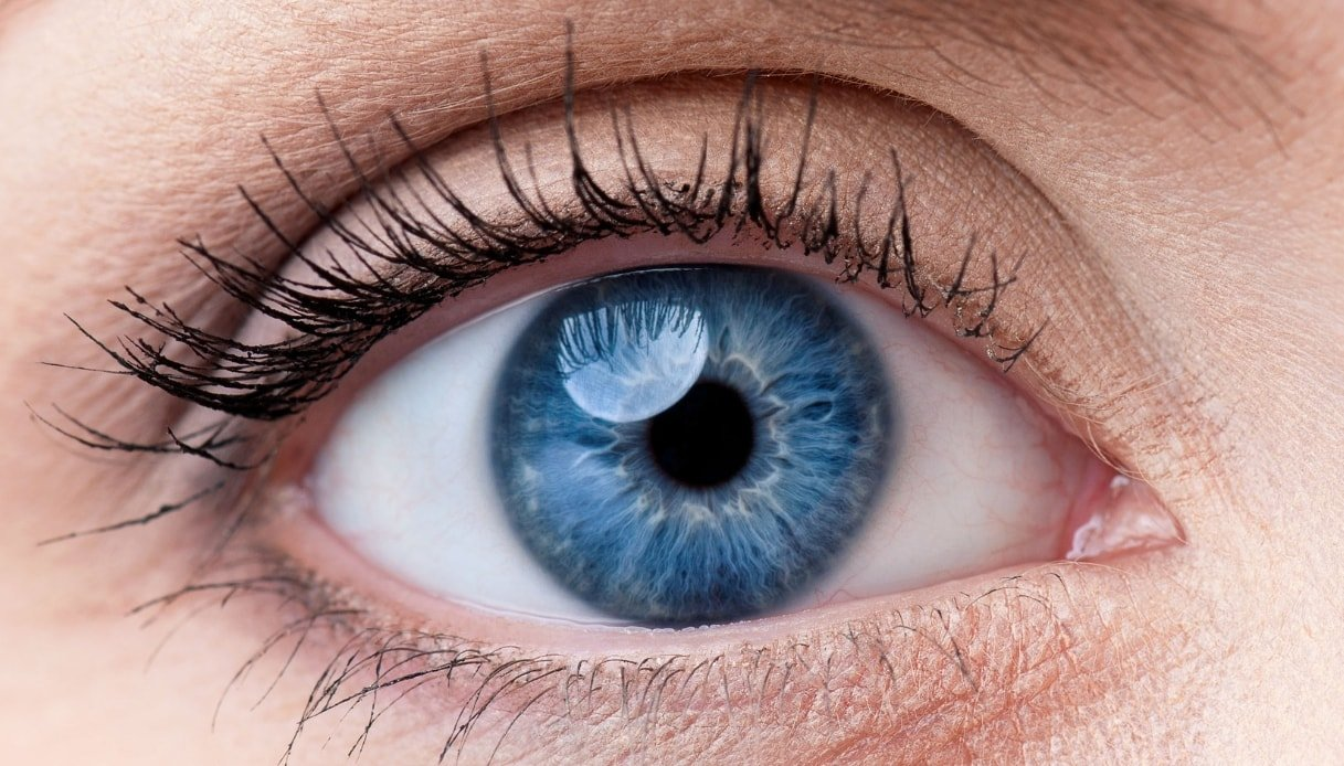 Siete nati con gli occhi azzurri? Ecco la teoria che vi riguarda