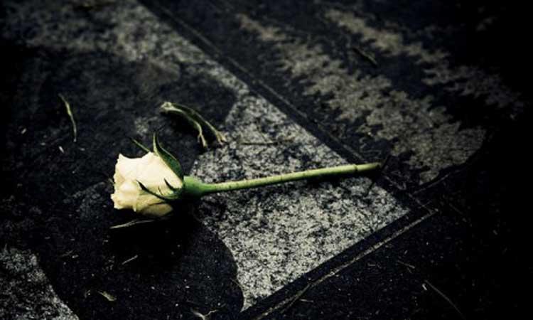 Superare un lutto quando piangiamo per gli altri, piangiamo per noi