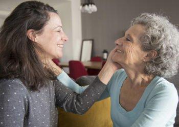 Visitare spesso la propria madre la rende più longeva