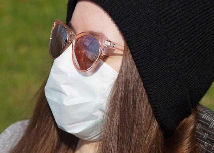 Mascherine fai da te ecco quali sono i tessuti più efficaci