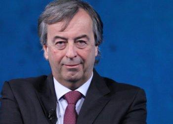 Roberto Burioni, Le Iene indagano sui suoi presunti confltti d'interesse