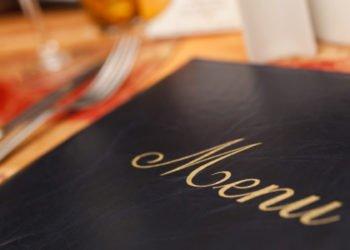 Scappano senza pagare dopo aver mangiato al ristorante. Quattro giovani inchiodato dalle telecamere di sorveglianza