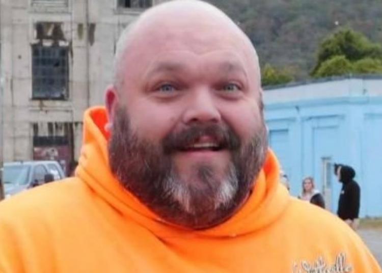 web covid complottista negazionista mascherina morto richard rose foto free facebook