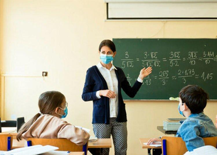 Mascherine in classe per i bambini i pediatri fanno chiarezza sulla questione